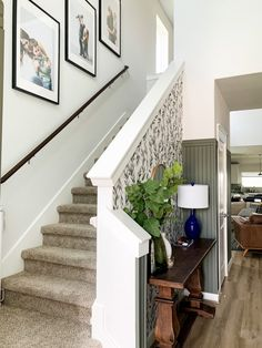 How to hang photos going up your stairs. Creates a beautiful entry! Home Decor Inspiration, Small Entryways, Home Projects, Beautiful Furniture, Painted Front Doors, Home Decor, Blogger Home, Renovations, Hanging Photos