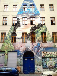 *Kreuzberg, a part of the combined Friedrichshain-Kreuzberg borough located south of Mitte since is one of the best-known areas of Berlin. Grafitti Street, Street Wall Art, Murals Street Art, Best Street Art, Berlin Graffiti, Australian Painters, Graffiti Artwork, Building Art, Outdoor Art