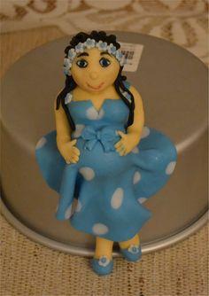 Pregnant woman made with fondant Fondant, Cinderella, Woman, Disney Princess, Disney Characters, Cake, Desserts, Food, Pie Cake