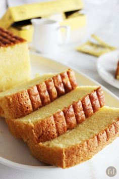 A simple and classic Nonya recipe for a very rich, moist and decadent butter cake with a light hint of vanilla flavour. (Adapted from source: 'The Best of Singapore Cooking' by Mrs Leong Yee Soo). Makes one square cake or 2 loaf cakes. Food Cakes, Cupcake Cakes, Rich Cake, Square Cakes, Loaf Cake, Cake Videos, Let Them Eat Cake, Dessert Recipes, Cupcake Recipes