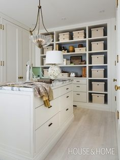 Amazing closets + 10 organization tips: http://www.stylemepretty.com/living/2014/03/07/amazing-closets-10-closet-organizing-tips/