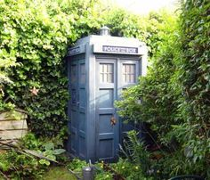 TARDIS garden shed via BadAstronomy. One day I will build one of these. One day...
