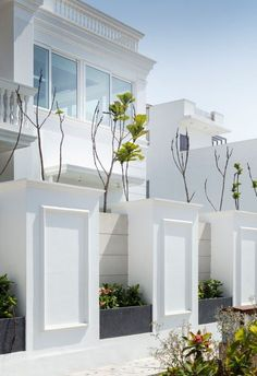 House Fence Design, Exterior Wall Design, Modern Fence Design, House Outside Design, Modern Exterior House Designs, Bungalow House Design, Modern House Design, Front Design Of House, House Front Gate