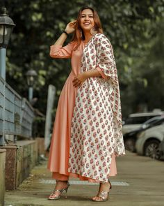 Designer Bridal Lehenga, Bridal Lehenga Choli, Indian Teen, Teen Actresses, Bollywood Celebrities, Western Wear, The Dress, Celebrity Pictures, Beautiful Actresses