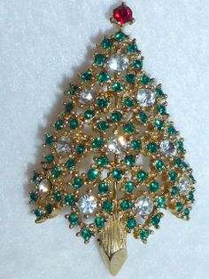 Vintage Eisenberg Christmas Tree Brooch Pin Heavy Bling Rhinestones Gold  Green and Diamond Colored Signed Collectable Jewelry New Condition 350456f10e0a