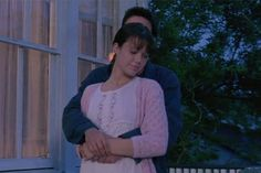"""It's been 15 years since Mandy Moore and Shane West played Jamie and Landon in """"A Walk to Remember"""" -- see the 15 moments that made us cry. Nicholas Sparks Movies, Shane West, Brat Pack, Walk To Remember, The Last Song, Rachel Berry, Teen Movies, Mandy Moore, Romantic Moments"""