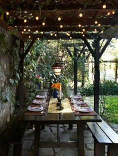A beautiful and enchanting eating place outdoors - I dream of this