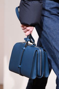 98cb83ffd66 125 beste afbeeldingen over Bags in 2019 - Leather wallets, Beige ...