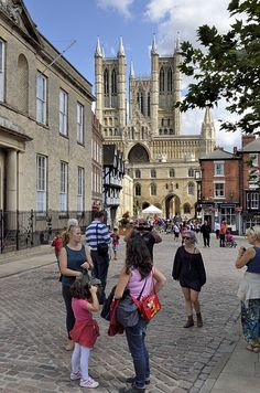 View of Lincoln Cathedral I had my cadet enrolment here! Lincoln Uk, Lincoln Cathedral, Gothic Buildings, England Ireland, Ambulance, Cathedrals, Great Britain, Scotland, Rest