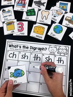 Digraph Sorting Activity Students write the missing digraph to complete the worksheet. For first grade and second grade. Centers First Grade, First Grade Words, First Grade Phonics, First Grade Activities, Teaching First Grade, First Grade Reading, First Grade Classroom, Kindergarten Reading, Teaching Reading