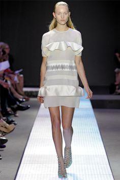 giambattista valli11 Giambattista Valli Spring 2012 | Paris Fashion Week