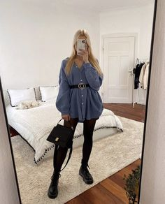 Cute Skirt Outfits, Girly Outfits, Simple Outfits, Stylish Outfits, Girls Fashion Clothes, Fashion Outfits, Classy Casual, Everyday Dresses, Casual Winter Outfits