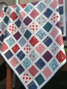 Red, White and Blue Twin Quilt featuring DS Quilts Picnics fabric.