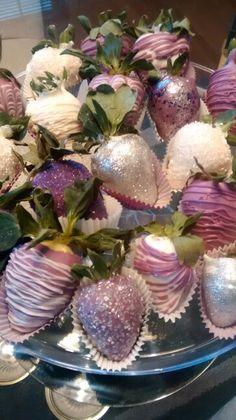 I Adore Chocolate Covered Strawberries and I especially Love them all Dolled Up like this!! : )