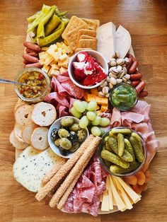Cooking Charcuterie Board - klassisches Brotzeitbrettl - Fashion Kitchen The more you study and lear Plateau Charcuterie, Charcuterie Plate, Charcuterie And Cheese Board, Antipasti Board, Cheese Appetizers, Healthy Appetizers, Healthy Snacks, Mediterranean Diet Breakfast, Mediterranean Dishes