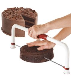 This feature-packed leveler makes it easier than ever to create perfectly straight cake tops and layers. The ULTIMATE Cake Leveler does it all—safe, precise cutting, easy height adjustment and conveni