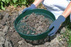 Picture of 1/2 mesh Garden Sieve