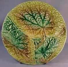 Majolica Overlapping Begonia Leaves Plate