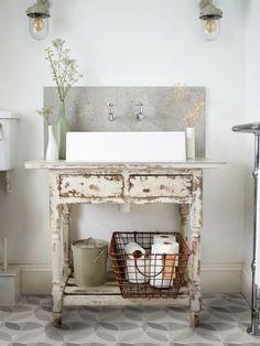 Badezimmergestaltung Mediterraner Stil. See More. Shabby Chic Kommode  Anrichte Schublade Waschtisch Badezimmermöbel Selber Machen