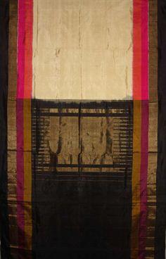 http://www.chloehouse.in/tusser-pink-black-combination-pochampally-silk-saree/