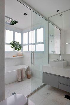 Few Important Design Tips For Smaller Bathrooms – Home Dcorz Bathroom Renos, White Bathroom, Bathroom Renovations, Small Bathroom, Small Toilet Room, Bathroom Design Luxury, Interiores Design, My Dream Home, New Homes