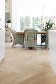 Kustom Timber 'Beach House' in herringbone parquet. This stunning timber sets the tone in the classic home. Even smaller spaces look amazing with herringbone parquetry. Herringbone Wooden Floors, Timber Tiles, Timber Planks, Timber Flooring, Parquetry Floor, Light Wooden Floor, Classic House, House Design, Beach House