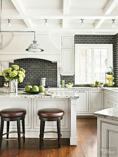 White Kitchen with dark accents - SO BEAUTIFUL!! - LOVE WHITE KITCHENS, PARTICULARLY WITH DARK ACCENTS!! - LOOKS FABULOUS!! ♠️