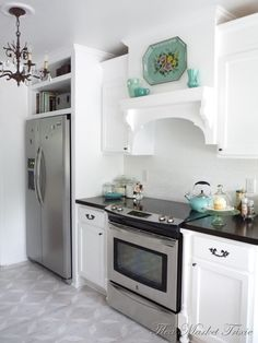 "love the ""mantel"" over the stove!"