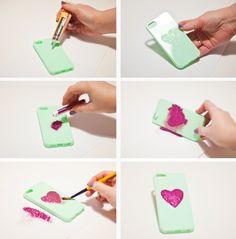 Glitter heart diy phone case ス マ ホ ケ-ス diy, diy coque, cute cases, cool iph Cool Iphone Cases, Diy Phone Case, Phone Cover, Diy Coque, Halloween Geist, Pink Und Gold, Do It Yourself Food, Heart Diy, Idee Diy