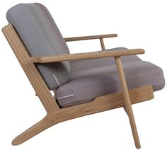 Buy Hans J Wegner Style 3 Seater Sofa with FREE UK delivery. Swivel UK supply the highest quality reproduction furniture to buy online. Outdoor Chairs, Outdoor Furniture, Outdoor Decor, Reproduction Furniture, Sofa Styling, Hans Wegner, 3 Seater Sofa, Home Decor, Style