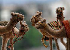 Aguja de fieltro Camel. Hecho a la medida por darialvovsky en Etsy