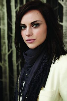 Scottish singer Amy Macdonald. She's so pretty and I love her voice! I want to marry her and her accent