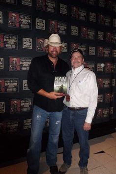 Art Wiknik with Toby Keith at his Hammer Down Tour Concert