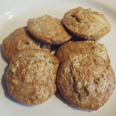 The Slimming Mama: Slimming World Oat Cookies Slimming World Desserts, Slimming World Recipes Syn Free, My Slimming World, Healthy Eating Recipes, Healthy Baking, Cooking Recipes, Healthy Meals, Oat Cookies, Sweets Cake