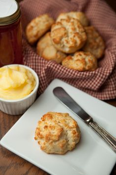 A gluten-free, nut-free biscuit recipe from Paleo Comfort Foods. Paleo Baking, Gluten Free Baking, Gluten Free Recipes, Low Carb Recipes, Whole Food Recipes, Cooking Recipes, Paleo Bread, Coconut Flour Biscuits, Paleo Biscuits