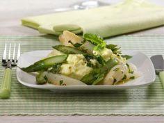 Frischer Spargel mit leicht-scharfem Wasabi-Kartoffelpüree