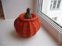 Поделка изделие Праздник осени Плетение Тыква как сделать плетенки крепче и рельефнее Трубочки бумажные фото 10