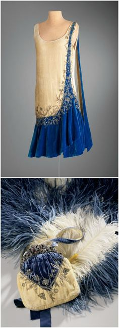 Marjorie Merriweather Post's evening dress and purse, made by Mme., New York Hillwood Estate Museum Gardens Other accessories include a matching slip cape fan Silk velvet rhinestones 1920 Style, Flapper Style, My Style, Vintage Outfits, 1920s Outfits, Vintage Gowns, 1920s Fashion Dresses, Fashion 1920s, Vintage Party