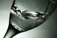 Mineralwasser - oft unsauberes Quellwasser mit wenig Mineralien