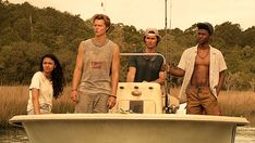 Outer Banks Trailer Netflix's Outer Banks has been released and stars Chase Stokes, Rudy Pankow, Jonathan Daviss,… Netflix Drama Series, Netflix Dramas, Movies And Series, Shows On Netflix, Movies And Tv Shows, Tv Series, Netflix Tv, Banks, Luke Perry