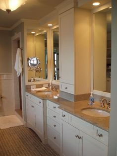Another great bathroom vanity. We would like to recreate this look using our O'Neil Daydream or O'Neil Shaker. #white #shaker #vanity #bathroom #drawers #linen