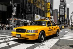 NYC: Yellow Cab am Times Square