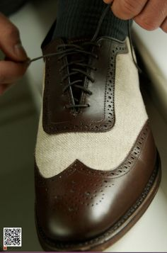 Allen Edmonds' Strawfut -  brown calf and linen allow air to flow throughout the shoe, keeping the feet cool and comfortable during hot summer days. #mens #wedding #shoes #allenedmonds