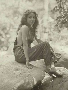 Silent film actress Bessie Love in the early Today, September is Love's birthday. Bessie Love was born Juanita Horton on September in Midland, Texas. Silent Film Stars, Movie Stars, Vintage Hollywood, Classic Hollywood, Bessie Love, Photo Vintage, Vintage Love, Vintage Ladies, Louise Brooks
