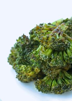 spicy sriracha roasted broccoli