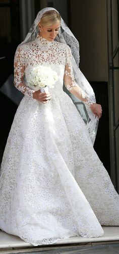 Nicki Hilton's modest wedding dress is unexpected but completely gorgeous!