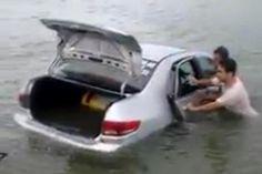 RS Notícias: Onda arrasta veículos em praias do Rincão e Morro ...