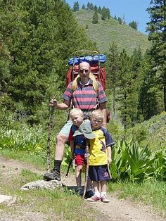 What age is the best for travel? via Family on Bikes #PinUpLive