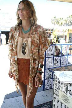 Loving everything about this boho outfit - especially the fringed burnt orange mini, paisley kimono & turquoise beads.