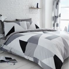 New Luxury Sydney Duvet Covers Quilt Covers Reversible Bedding Sets By GC King Size Duvet Covers, Double Duvet Covers, White Duvet Covers, Bed Duvet Covers, Duvet Cover Sets, Duvet Bedding Sets, Bedding Sets Online, Luxury Bedding Sets, Queen Bedding